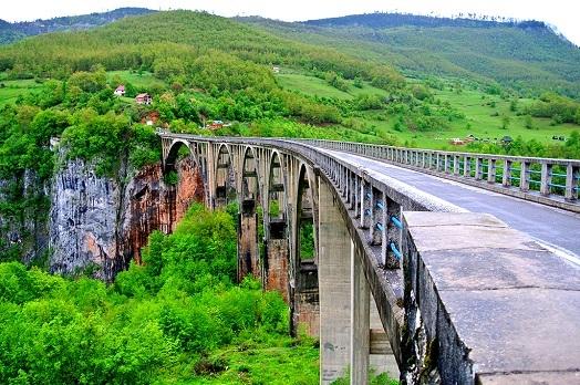 Каньон мост на Таре