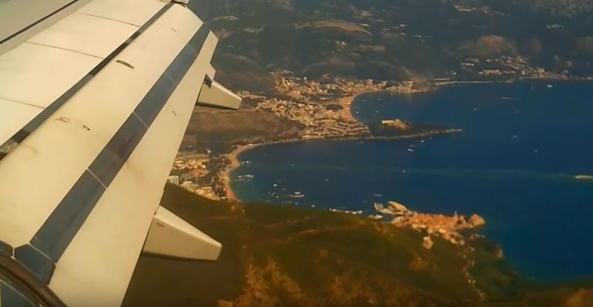Вид на побережье Черногории из самолета